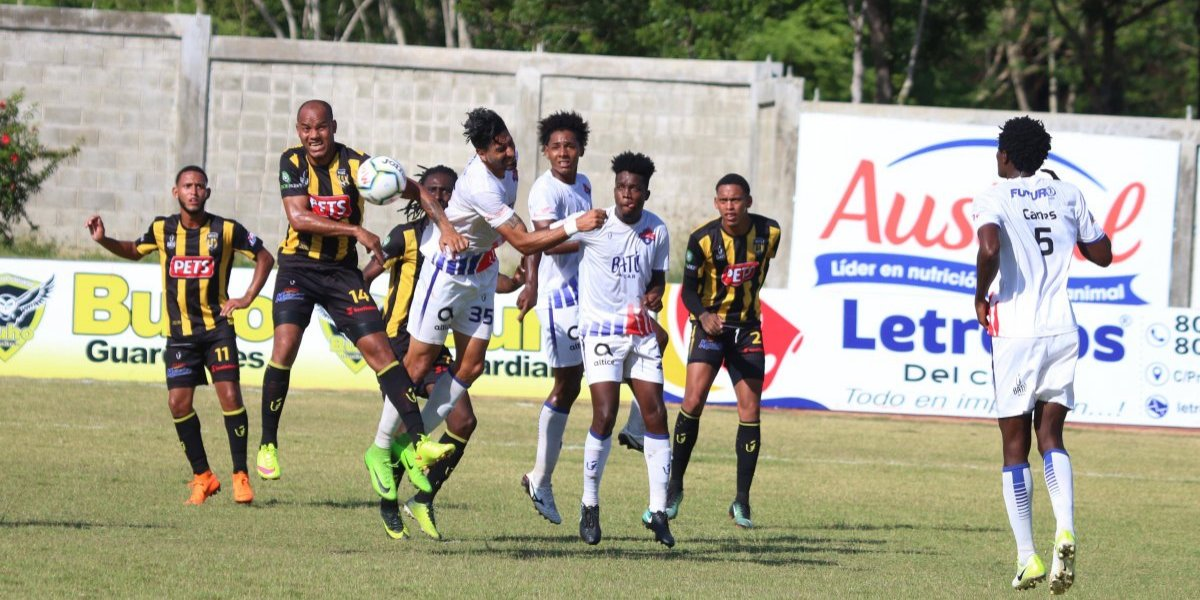 Moca FC y Atlético San Cristóbal terminan empatados a dos goles