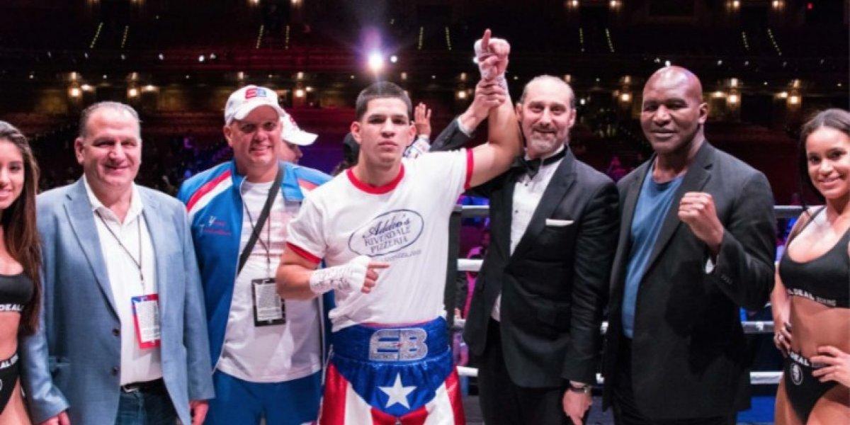 Edgar Berlanga vuelve a noquear a rival en el primer asalto