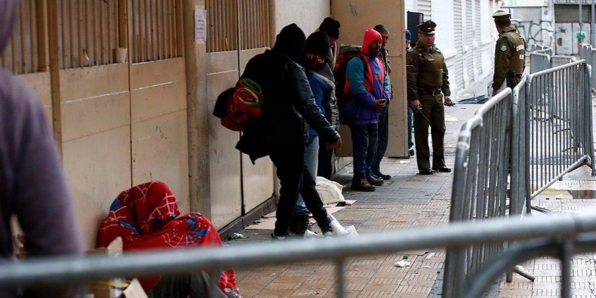 Hombre de 66 años falleció en el albergue del Estadio Víctor Jara: sufrió un paro cardiorespiratorio