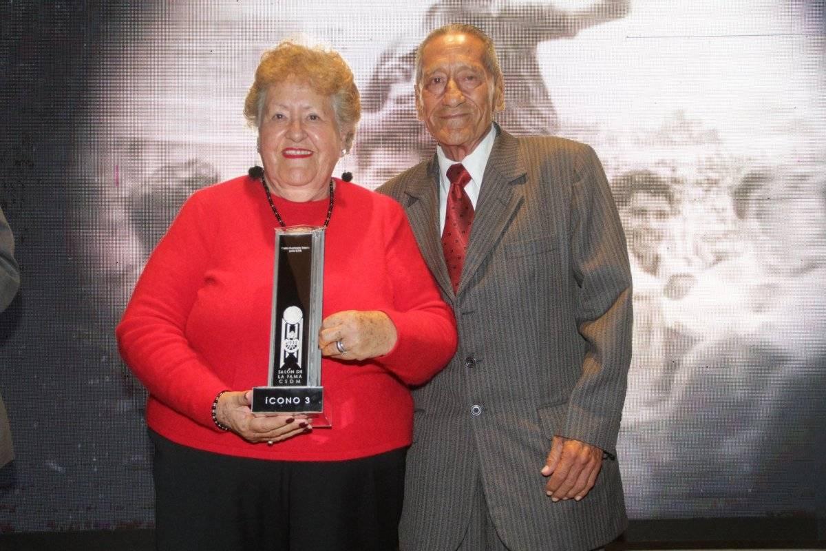 Los hijos de Carlos Toledo recibieron el galardón