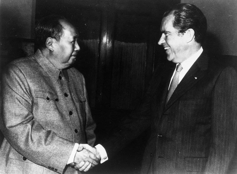 Nixon y Mao Tse Tung