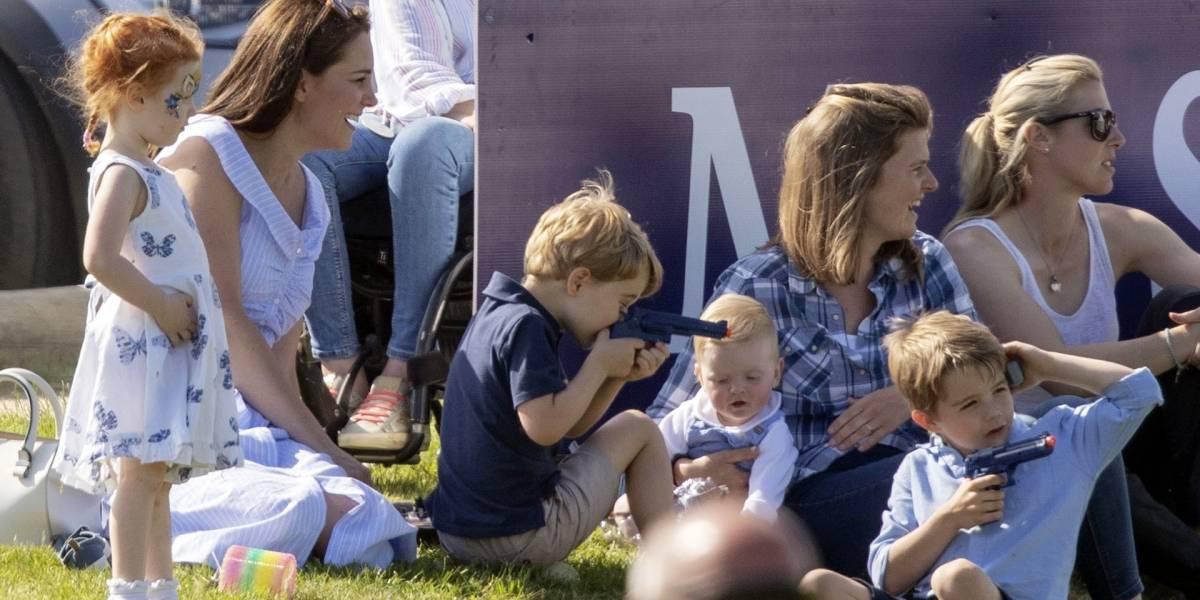 Polémica real: la pistola de juguete del príncipe George que enciende el debate en redes sociales