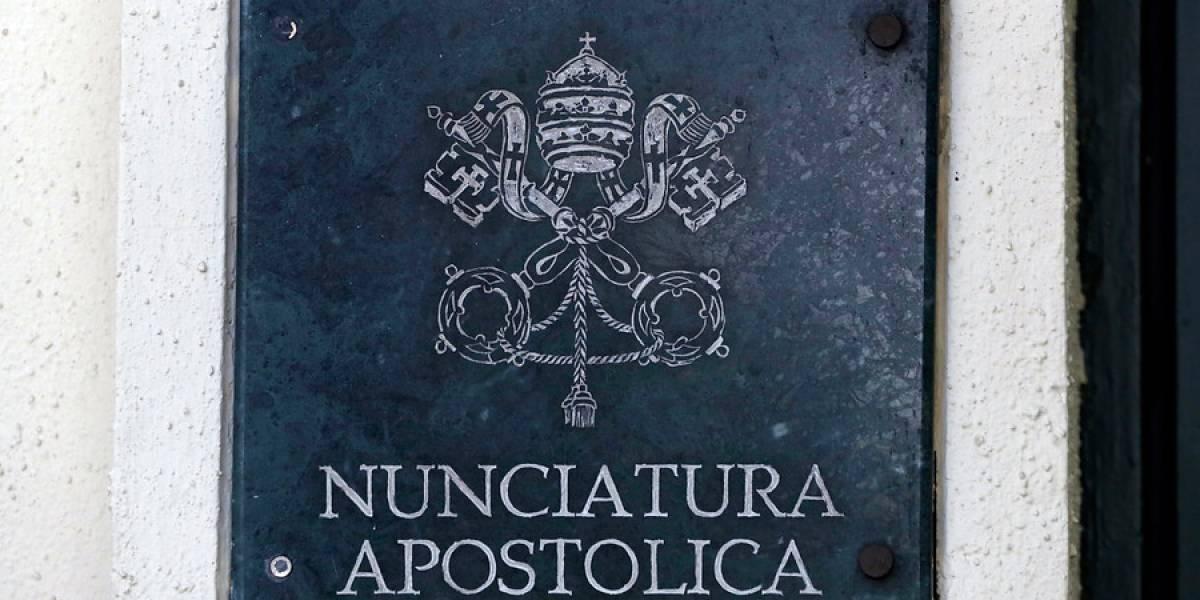 """""""La banda de obispos delincuentes se empieza a desintegrar hoy!"""": la reacción de Juan Carlos Cruz tras renuncia de Juan Barros"""
