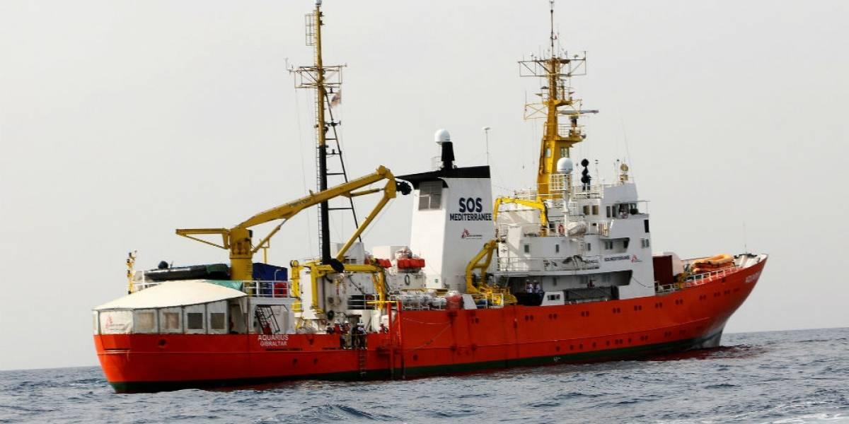 Otro barco con más de 900 migrantes rescatados llegará a Sicilia