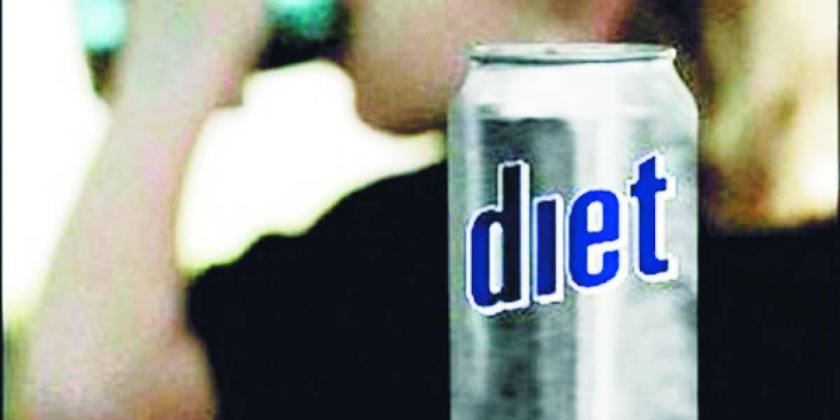 Expertos: Bebidas light o sin calorías no modifican el apetito