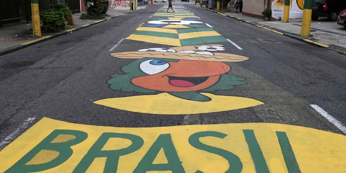 FOTOS: veja ruas pintadas para a abertura da Copa do Mundo