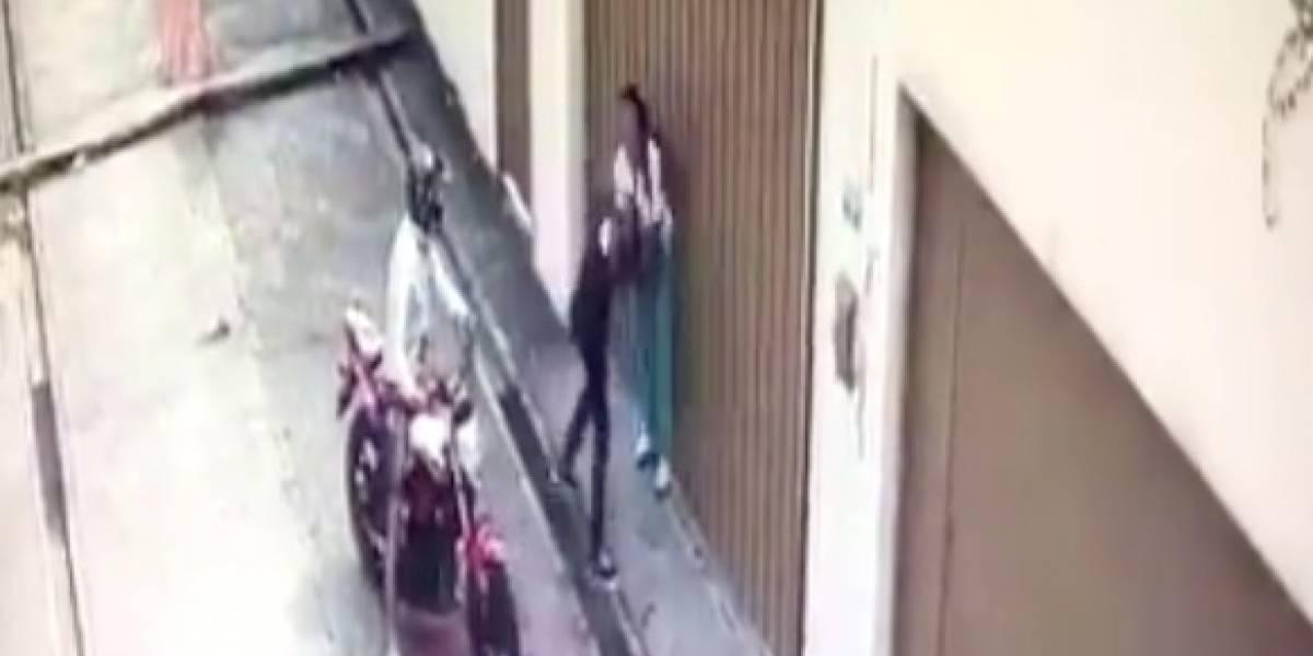 Guayaquil: Se viraliza video que muestra robo a estudiante por parte de motorizado