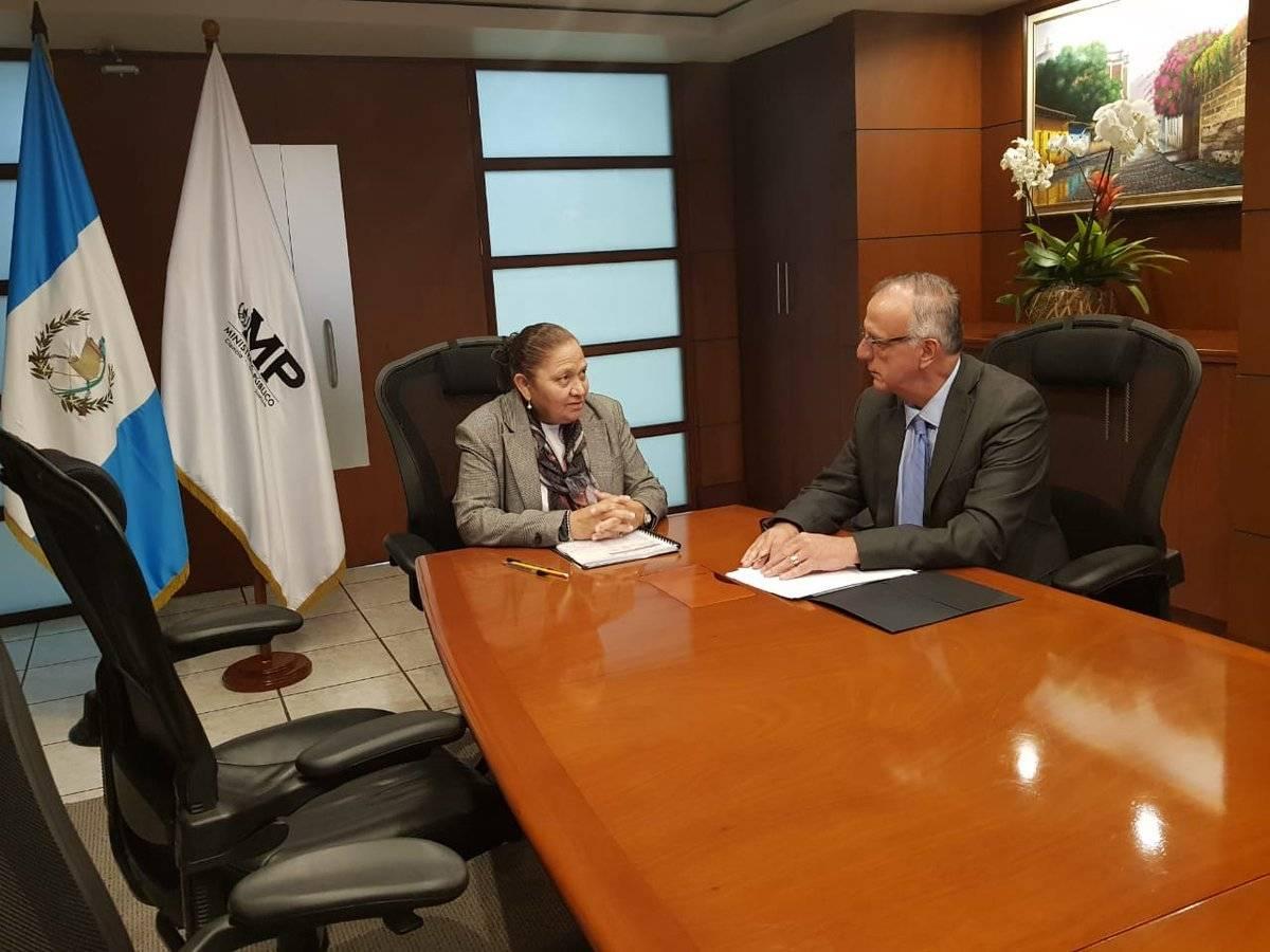 fiscal general Consuelo Porras e Iván Velásquez se reúnen