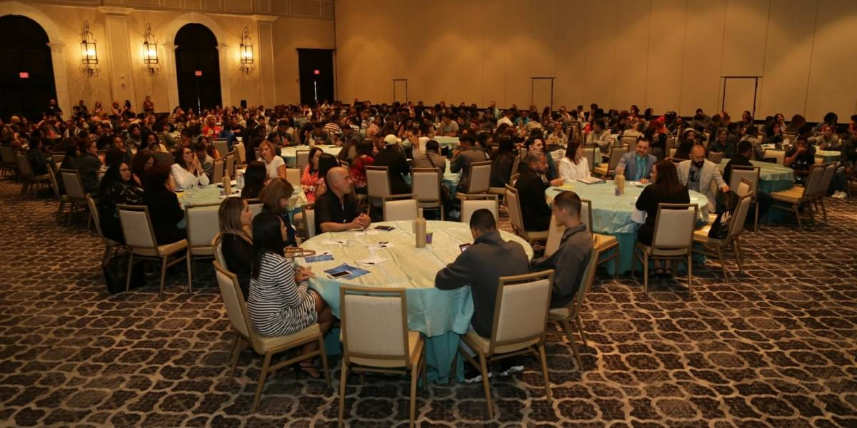 Celebran primer congreso de jóvenes en umbral de vida independiente