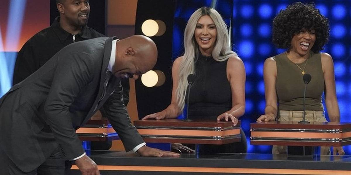 Kanye West se burla de Kim Kardashiam y su familia en televisión en vivo ¡Tenemos el video!