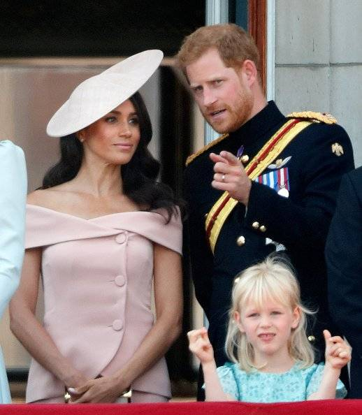 """Te puede interesar Hablan los amigos de Meghan Markle y revelan los mejores momentos de la boda Las miradas de amor más tiernas entre Harry y Meghan durante el """"Trooping the Colour"""" Te contamos por qué la Reina Elizabeth II luce sus lentes de sol Getty Images"""