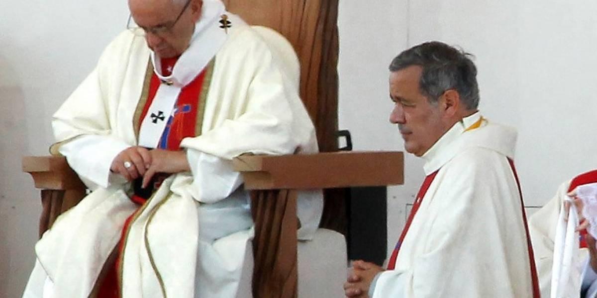 El Papa acepta renuncia de obispos chilenos señalados por escándalo sexual