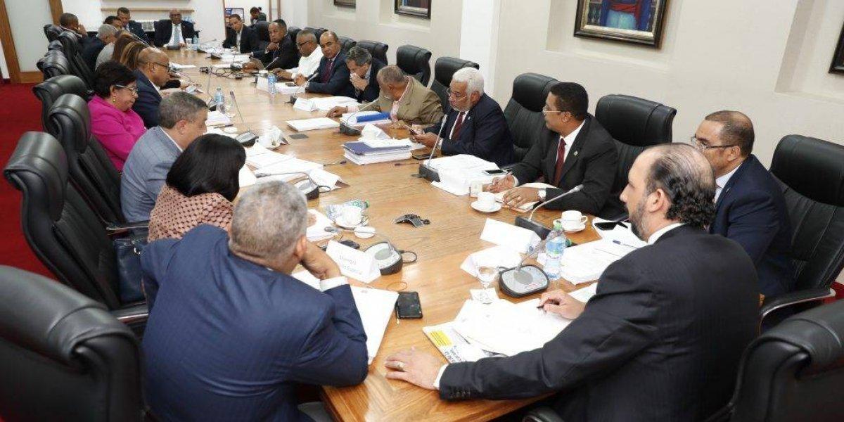 Suspenden reunión de la comisión que estudia Ley de Partidos