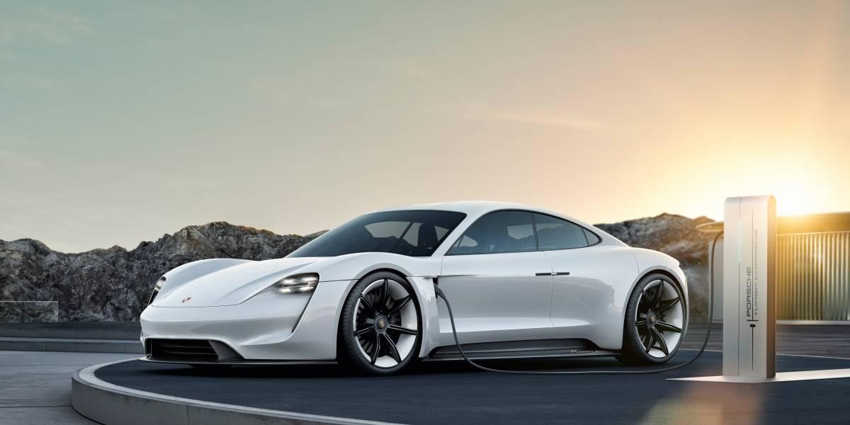 Porsche bautiza su primer deportivo eléctrico que comienza su producción en 2019