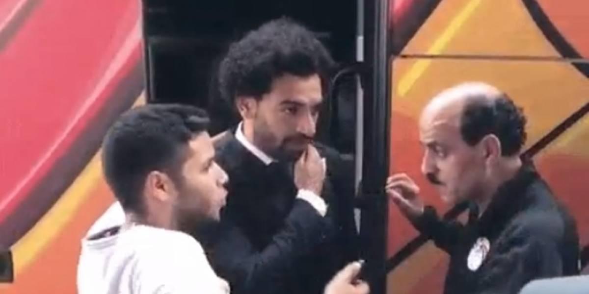 El gesto de Salah cuando un aficionado le tocó el hombro