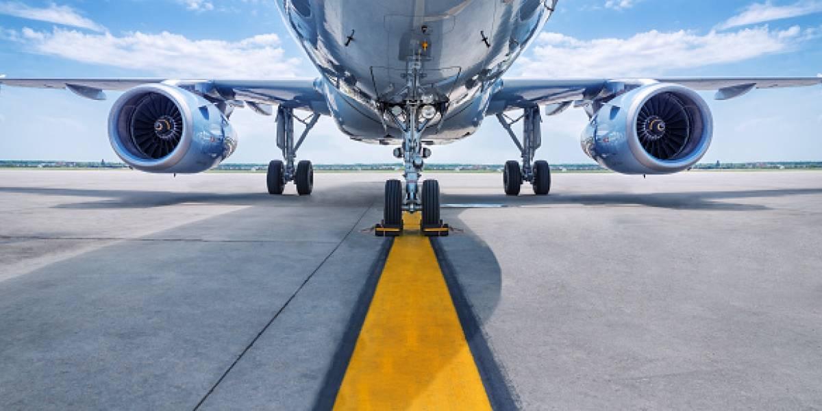 Avión con fuga de gasolina aterriza de emergencia en Aeropuerto Internacional