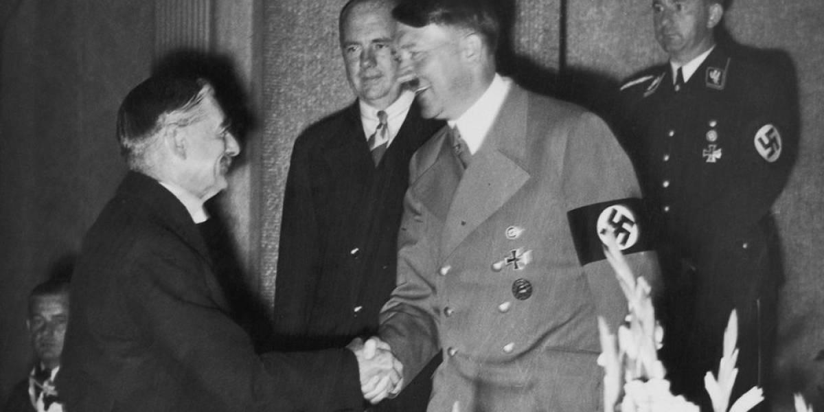 Após Kim e Trump, conheça outros 10 apertos de mãos que passaram à história