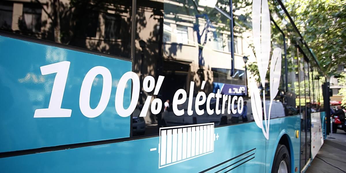 Buses eléctricos reciben nota 6,3 y se sumarán 200 este año al Transantiago