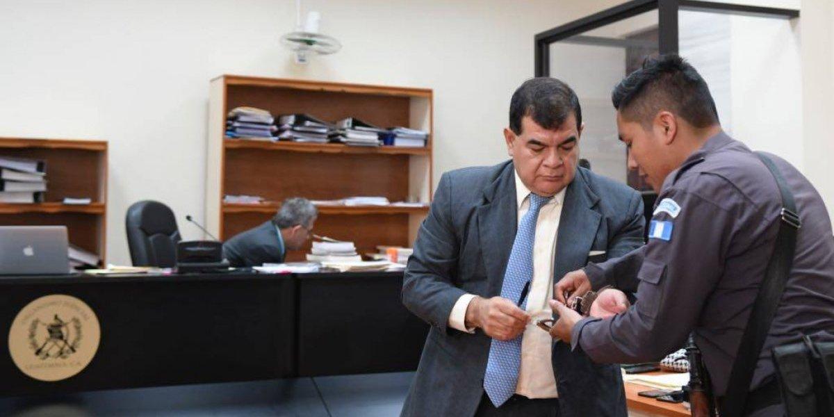 Exfiscal Ronny López acude a audiencia de primera declaración sin abogados