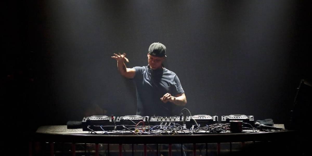 Entierran a DJ Avicii a casi dos meses de su muerte