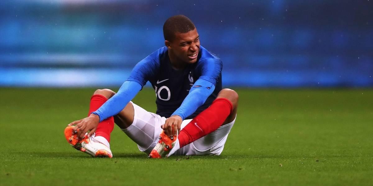 ¡Alerta Francia! Kylian Mbappé se retiró del entrenamiento tras un fuerte golpe