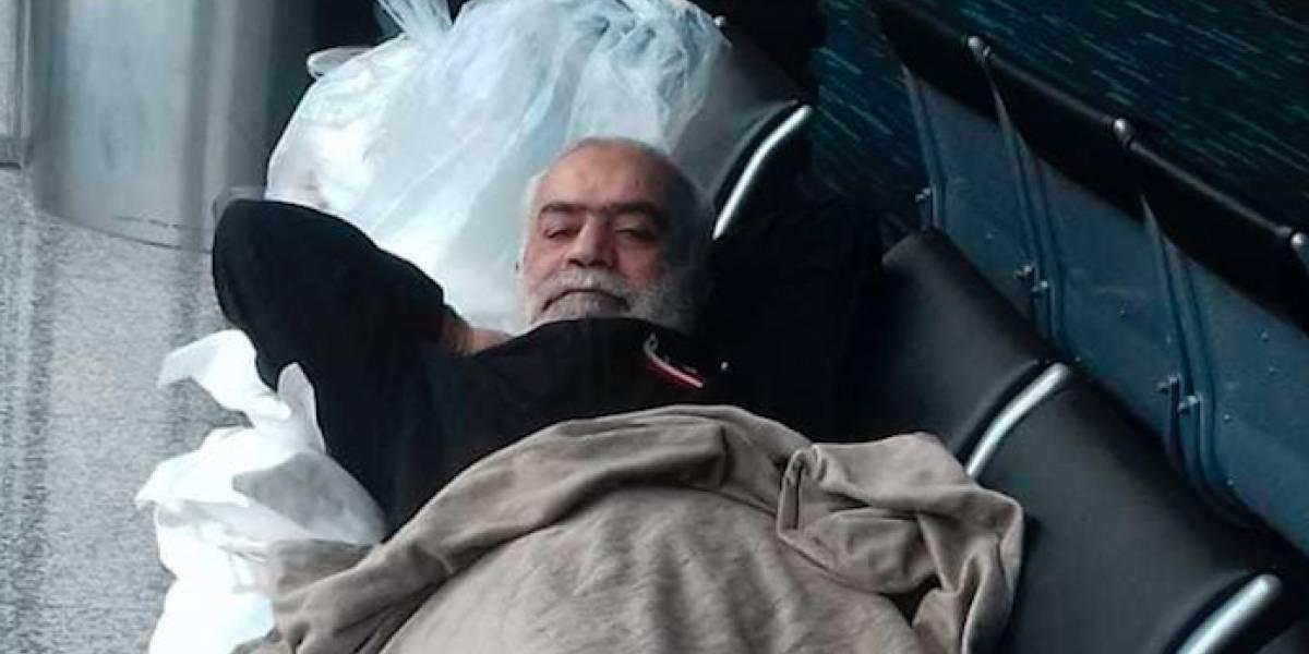 """""""Llevo más de un mes durmiendo en medio metro"""": El libanés que está atrapado en aeropuerto de Guayaquil"""
