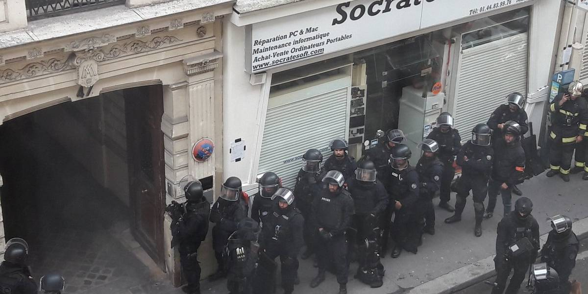 Toma de rehenes en París: mujer embarazada entre los retenidos y captor amenaza con detonar bomba