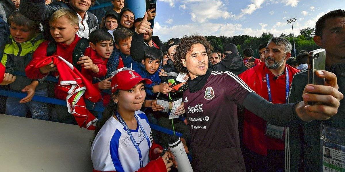 México entrenó por primer vez en tierra mundialista