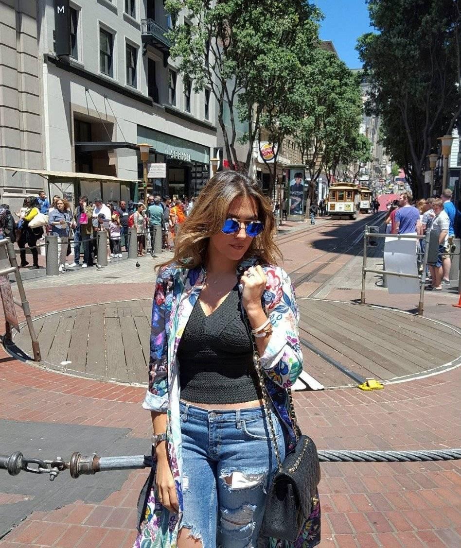 Monica/ esposa de Oribe Peralta