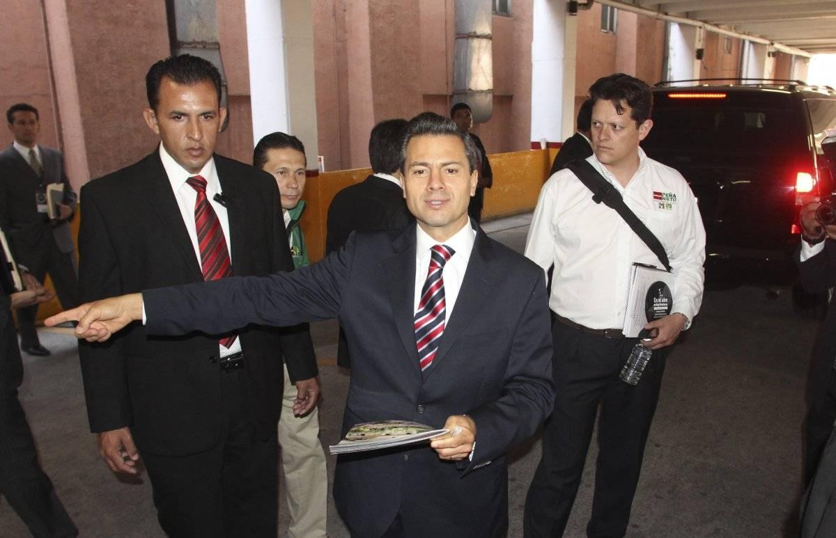Enrique Peña Nieto a su llegada a un debate Foto: Cuartoscuro