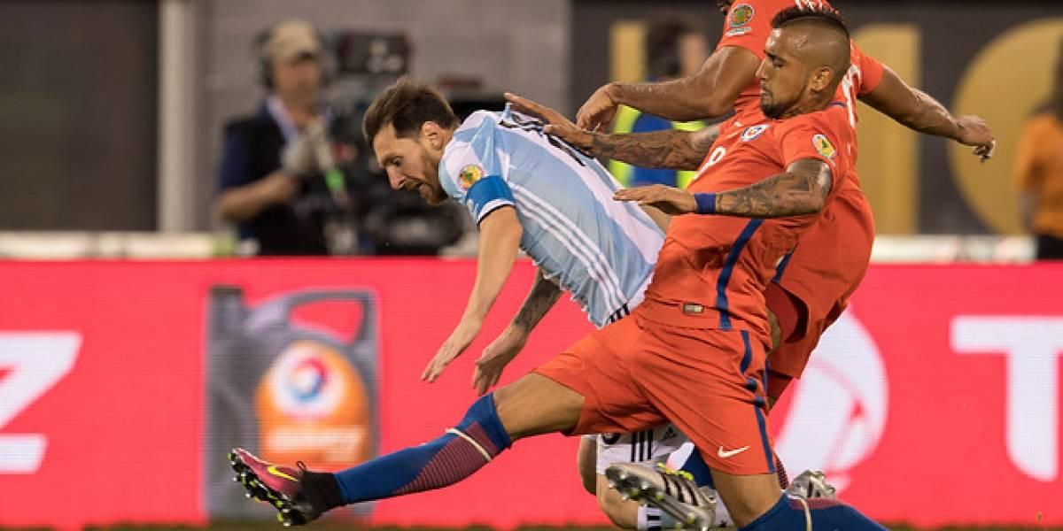 Prensa mundial queda de cabeza ante la provocación de Arturo Vidal contra Lionel Messi