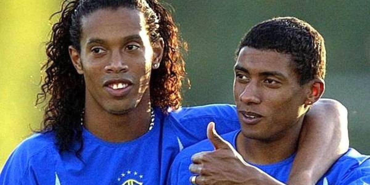 Ronaldinho traiciona a su propio amigo