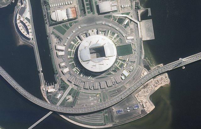 El estadio Kretovsky en San Petersburgo en el noroccidente ruso y alberga hasta 70.000 espectadores y es la sede del equipo FC Zenit