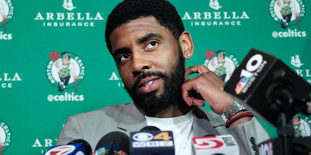 Kyrie Irving se muestra reservado sobre volver a jugar con LeBron James