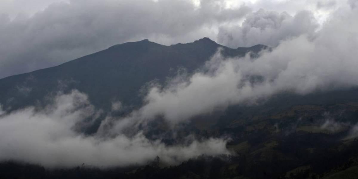 Sismo con epicentro en volcán provoca la muerte de dos personas en Colombia