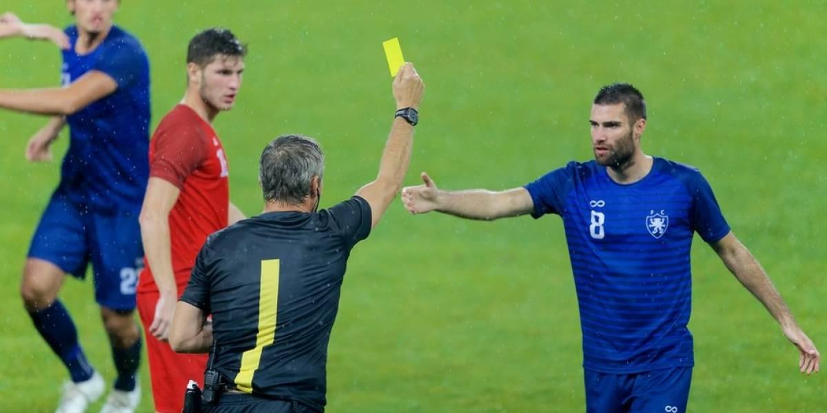 Como surgiram os cartões amarelo e vermelho no futebol