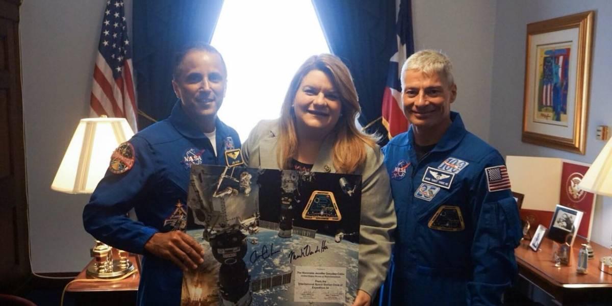 Comisionada Residente se reúne con los astronautas Joseph Acabá y Mark Vande Hei