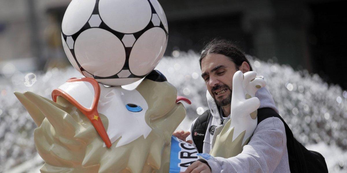 Todos nos odian: Los hinchas sudamericanos en Rusia se unieron para cantar contra Chile