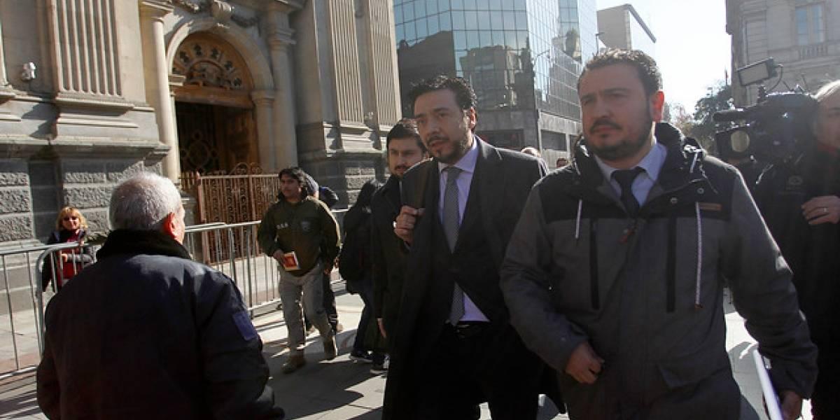 Allanan Tribunal Eclesiástico y Arzobispado de Santiago por abusos sexuales a menores