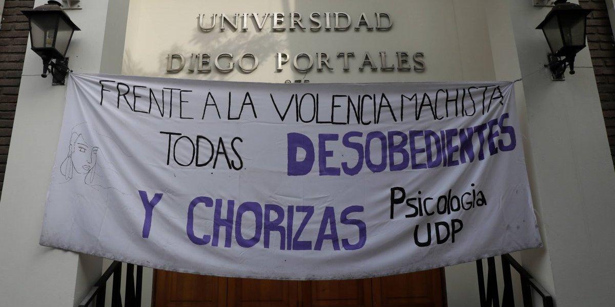 Toma feminista de la UDP llega a su fin: estudiantes lograron la aprobación de casi la totalidad del petitorio
