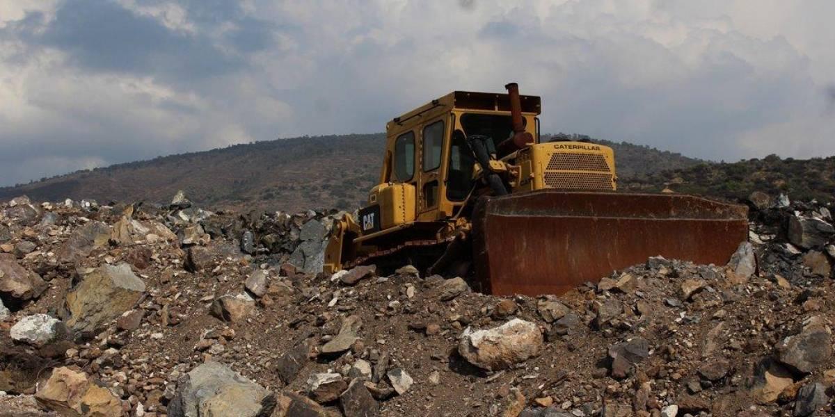 NAICM: Denuncian devastación de cerros, contaminación de agua y hasta huachicol
