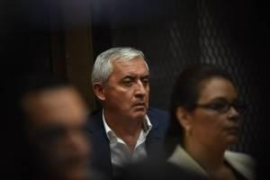 """Otto Pérez y Roxana Baldetti, presuntos jefes de la red """"La Línea""""."""