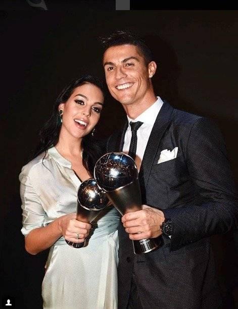 La novia de Cristiano Ronaldo lo defendió con un mensaje del papa Francisco Getty Images