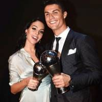 La novia de Cristiano Ronaldo lo defendió con un mensaje del papa Francisco