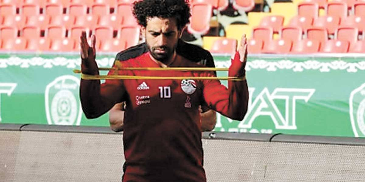 Salah volta a treinar com bola e Egito fica otimista