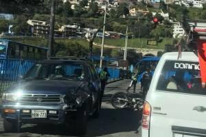 Quito: Agente Metropolitano herido tras accidente en San Roque
