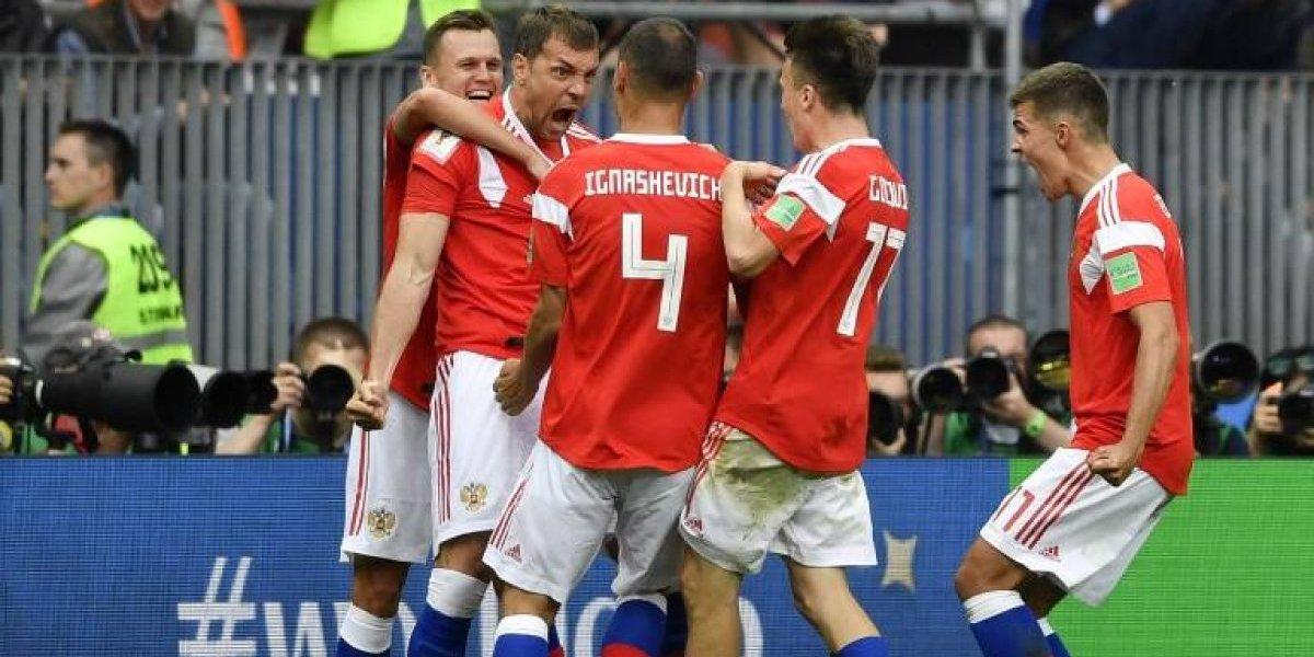 Rusia cumple las expectativas al vencer en su debut a Arabia Saudita