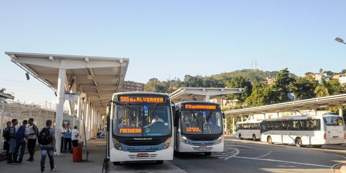 Justiça suspende reajuste da passagem de ônibus no Rio