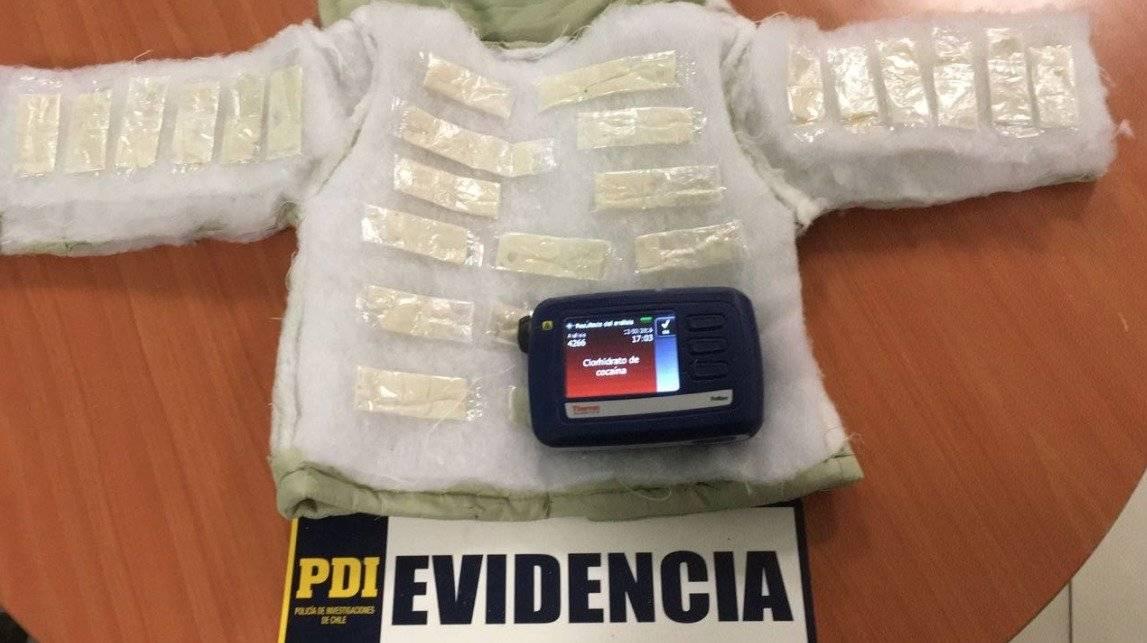 Ingenioso método para ingresar droga en la ropa