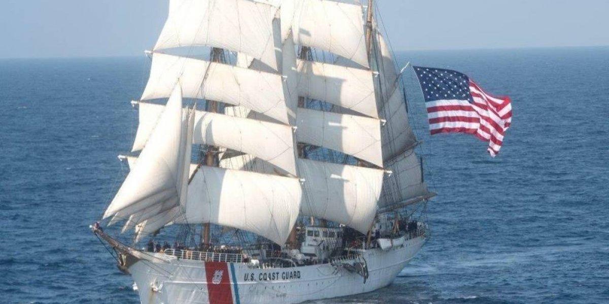 Llega a San Juan el barco Eagle de la Guardia Costera de EE. UU.
